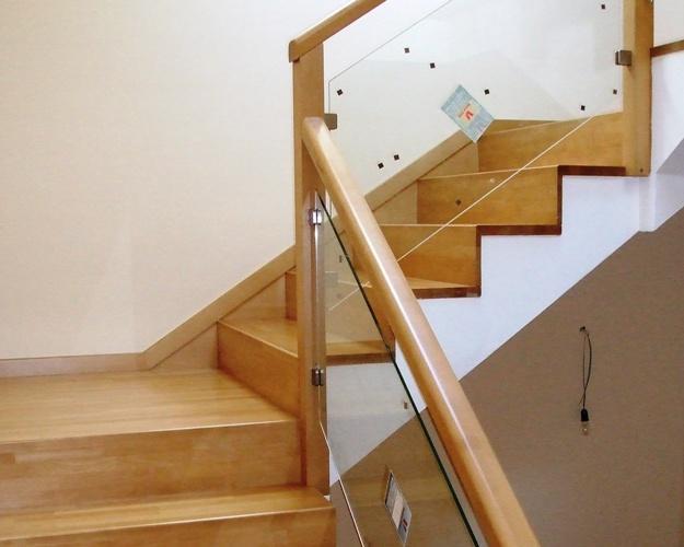 Transmobili escaleras construidas de madera maciza - Escaleras de madera pintor ...